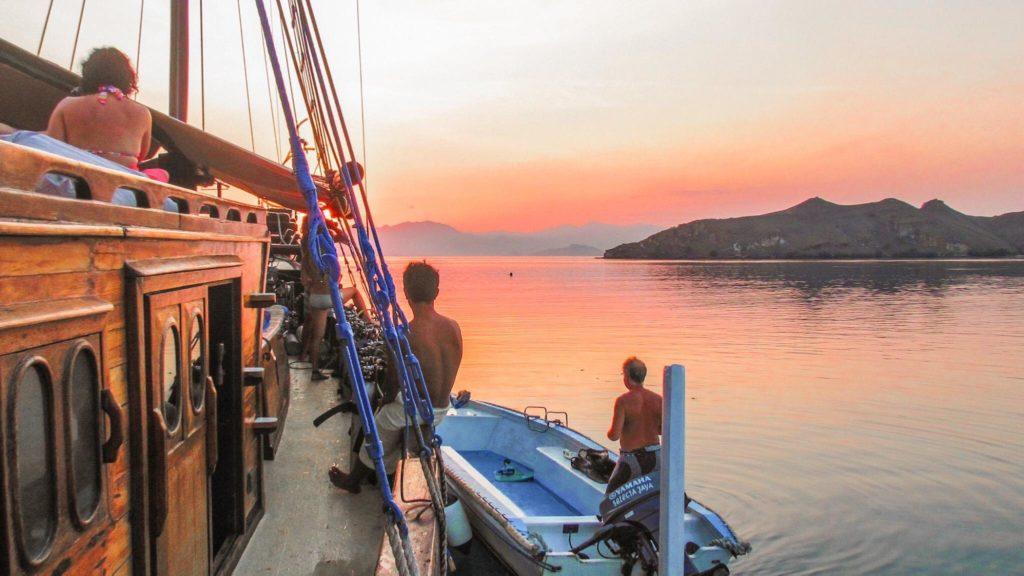 Sailing to see Komodo